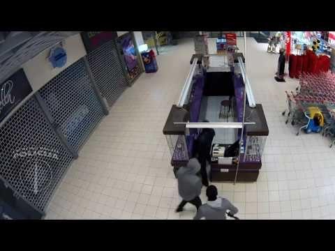 Policija publicē VIDEO – lielveikalā Rīgā naktī aiztur bandu, kuru nevarēja notvert pusotru gadu!