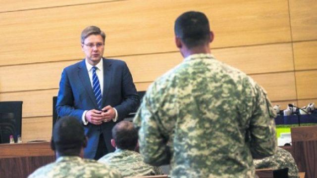 """Ušakovs mēģina tikties ar NATO ģenerālsekretāru, bet """"saņem kurvīti""""! Aizdomas par slēptiem mērķiem!"""