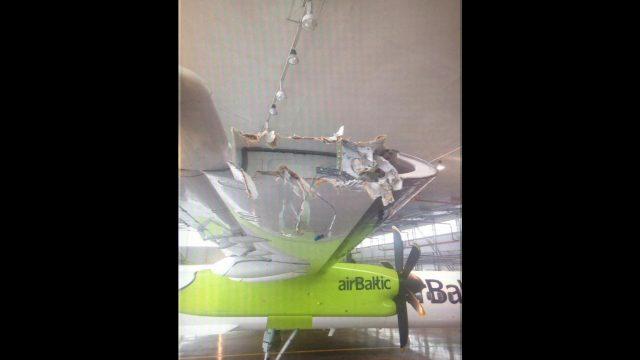 """FOTO: Lidostā """"Rīga"""" sadauzīta """"airBaltic"""" lidmašīna! """"airBaltic"""" avāriju cenšas noklusēt…"""