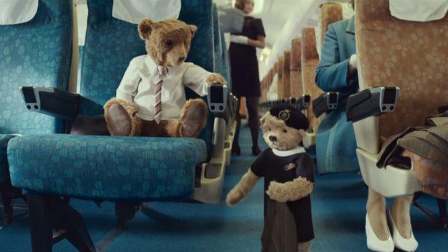 VIDEO: Fantastiski aizkustinoša reklāma par Ziemassvētku – mājās atgriešanās laiku!
