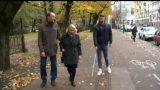 VIDEO: Ārprāts! Neredzīgajiem Barona iela nu kļuvusi pat dzīvībai bīstama! Kāpēc tā?