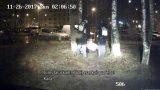 VIDEO: Rīgā policistiem nākas savaldīt puspliku un agresīvu sievieti!