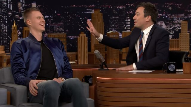 "VIDEO: Porziņgis kļuvis par pirmo latvieti, kurš paviesojies Džimija Falona ""The Tonight Show"""