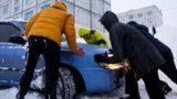 Jūrmalā noķerti 6 nepilngadīgie, kuri atkārtoti nozog vienu un to pašu auto, to vienkārši aizstumjot…