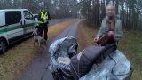 Vājprāts! Mazu dvīnīšu māte uz ceļa braucamās daļas streipuļo 2,43 promiļu reibumā!