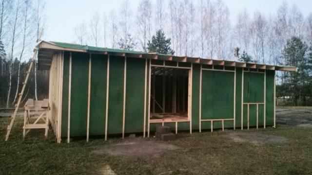 FOTO: Kā ģimenes sapnis par mājas būvniecību pārvērtās murgā…