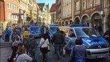 Traģēdija Vācijā: Minsterē autofurgons apzināti iebrauc gājēju pūlī; ir ievainotie un bojāgājušie!