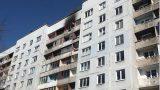 Aculiecinieka VIDEO: Mežciemā aizdegusies daudzstāvu māja – ar atklātu liesmu deg dzīvoklis!